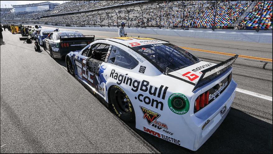 Отправь в эфир весь сезон «NASCAR ALL IN: Битва за Дайтона» и наслаждайся игрой!, Спортивные автомобили